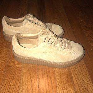 Size 7.5 woman creepers